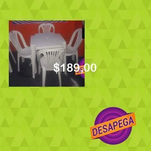 Jogo de mesa com cadeiras novos desapega