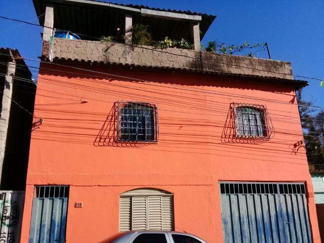 Vendo uma casa no bairro inconfidentes em contagem