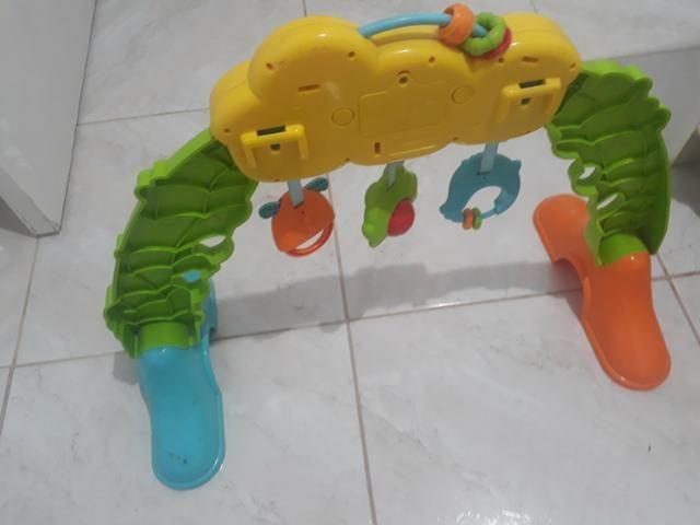 2 andador e 1 brinquedo - Foto 6