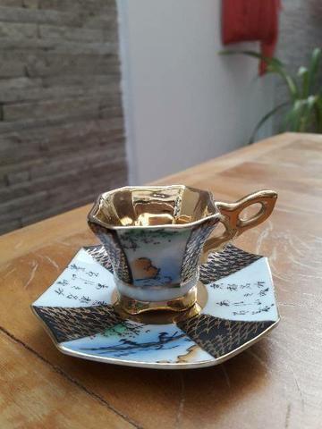 Mini xícara antiga