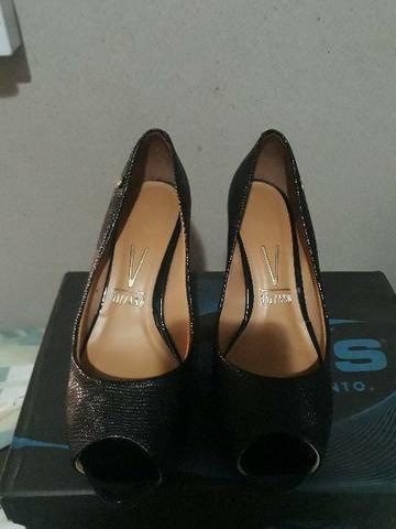 Vendê-se 2 pares de sapatos  - Foto 2