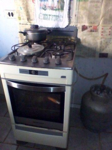 Vendo 1 fogão mais botijão cheio . - Foto 3