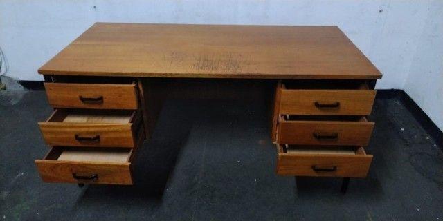 Mesa de Escritório de Madeira Usada - Foto 4