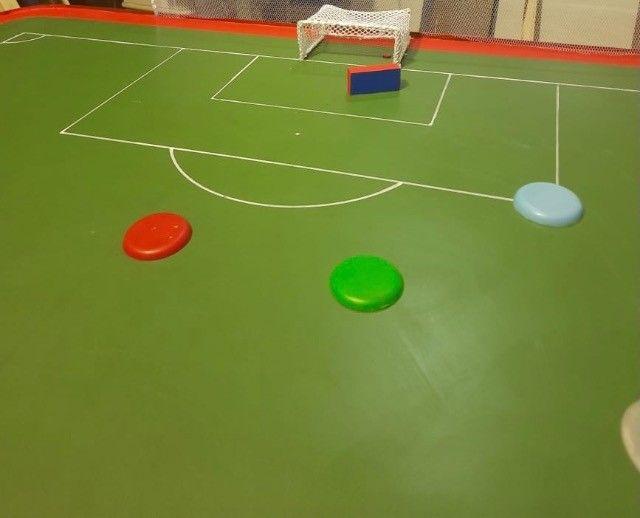 Futebol de mesa ( botão )