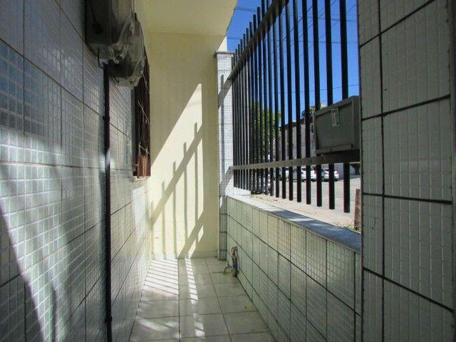 Apartamento com 2 quartos, no Bairro Dionísio Torres - Foto 2