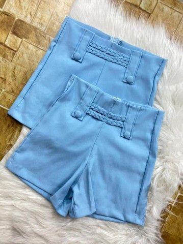 Vários modelos de shortes