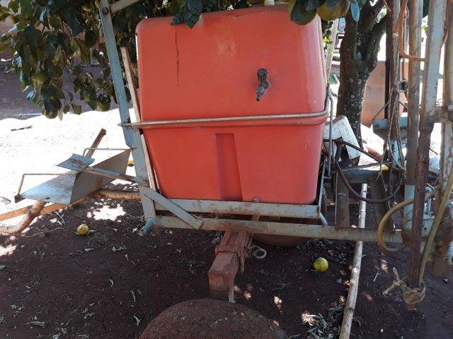 Pulverizador 200 litros - Foto 3