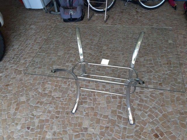 Mesa de vidro com pés de metal - Foto 2