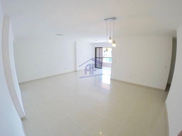 Apartamento com 3 suítes (acabamento de luxo) - Edifício Montichiari - Jatiúca