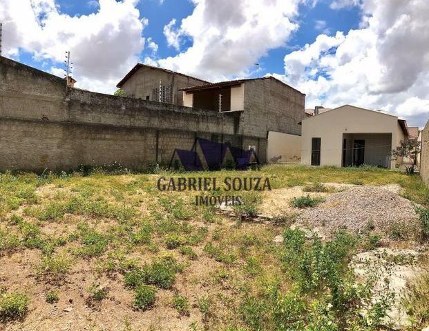 Belíssima Casa Solta com Amplo Terreno (484m² / 3 Quartos / 5 Vagas) na Maraponga - Foto 13