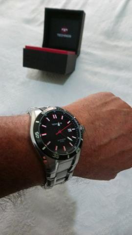 65b6c095e1441 Vendo relógio technos skymaster original prova de água 100metro leia ...
