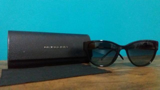 36ced6c7d0236 Óculos de sol Burberry Preto Clássico - Bijouterias