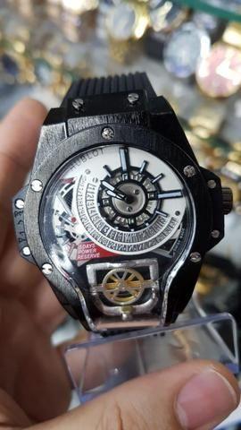4992b27d59e Relógio Esporte Hublot Geneve a prova d água e funcional
