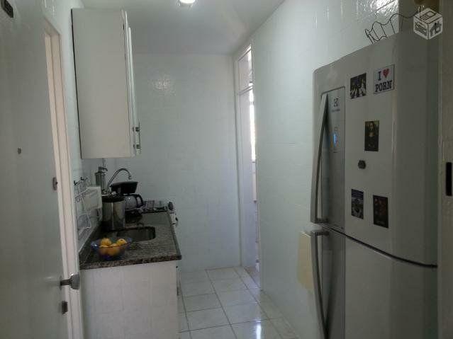 Metrô na porta - Lindo ap 2 quartos (reversível p/ 3),dependência c/ banheiro, reformado - Foto 5