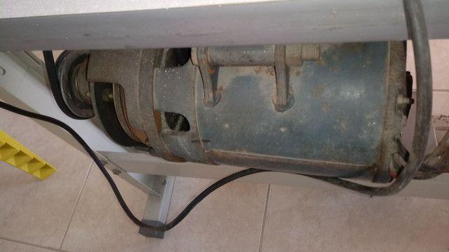 Maquina de costura OVERLOCK INDUSTRIAL COMPLETA - Foto 4
