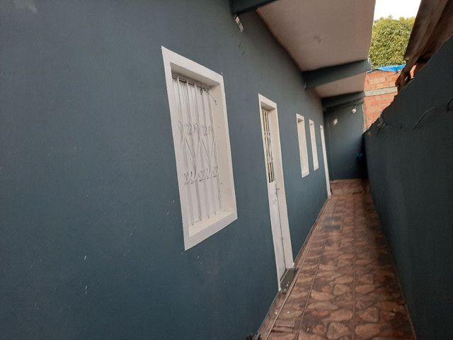 Prédio com 12 kitnetes no Mutirão Novo Aleixo próximo de tudo - Foto 11
