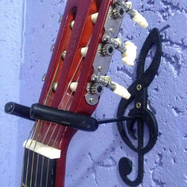 Suporte de Parede para Violão, Guitarra, Contrabaixo - Detalhe Clave de Sol - Foto 3