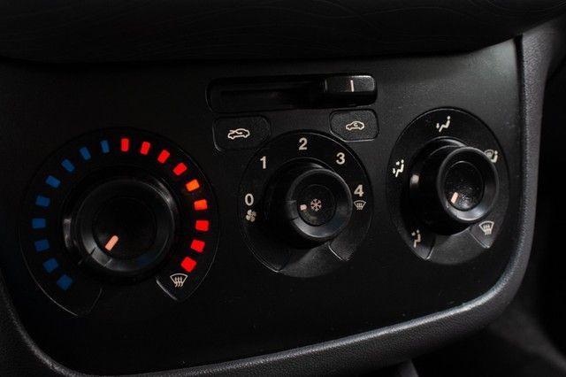 Fiat Punto Essence 1.6 16V (Flex) - Foto 12