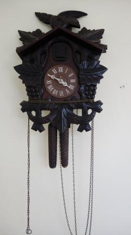 Relógio Cuco Antigo modelo cacho de uva
