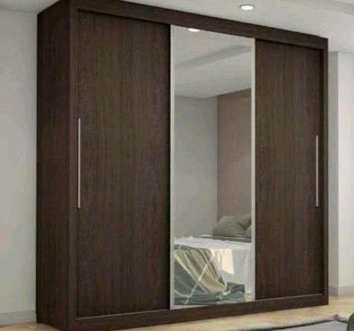 Grande guarda roupa com espelho - Móveis - St Garavelo, Aparecida De ... 8dabebf39d