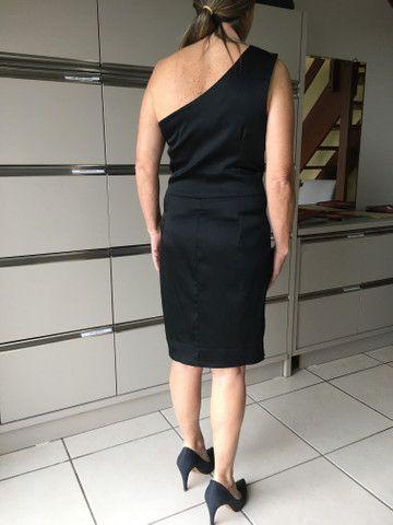 Lindo vestido cetim $130 - Foto 3