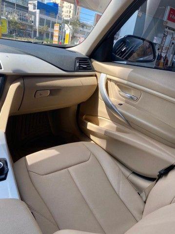 BMW 320i apenas 65.000 km branco pérola 2014 - Foto 8