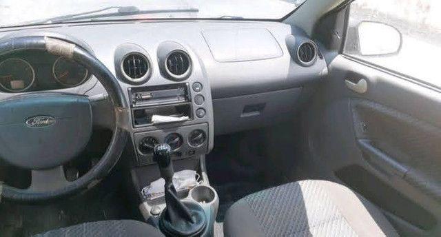 Vendo Ford Fiesta 1.0 - Foto 2