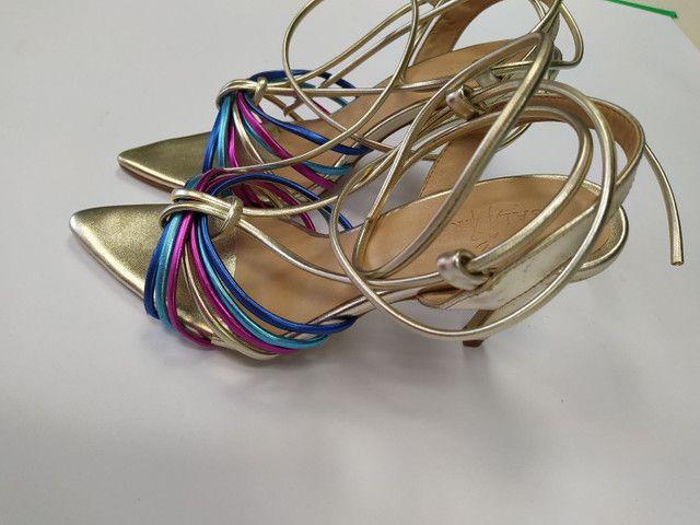 Sandália saltere de tiras muito nova n 35 - Foto 3