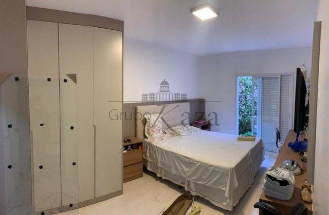 @ Casa Padrão mobiliada - Fino Acabamento - 4 quartos - 4 suítes - Foto 9