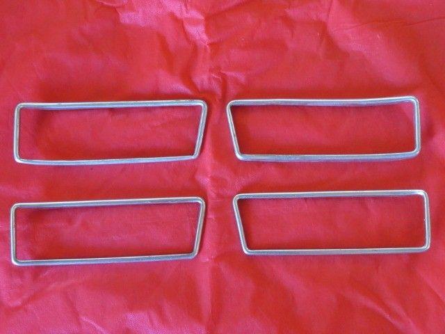 molduras originais das lanternas traseiras exclusivas do Zé do caixão  - Foto 2
