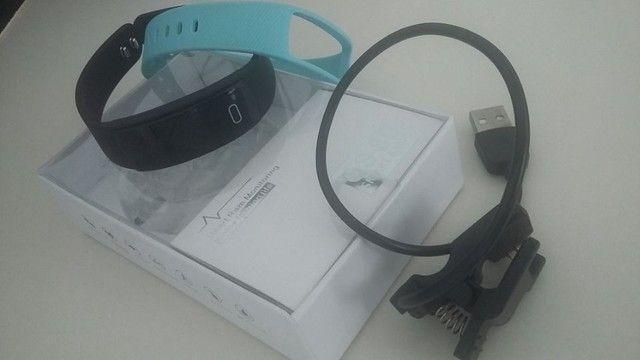 Pulseiras smartband e carregador