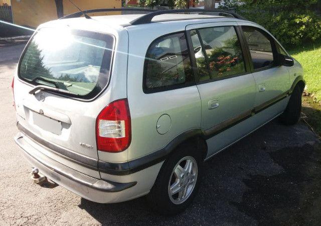 Minivan Zafira 2.0 CD 16V MpFi / 5 portas / 7 lugares - Foto 9