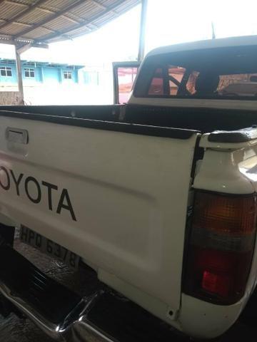 Vendo Toyota Hilux - Foto 9