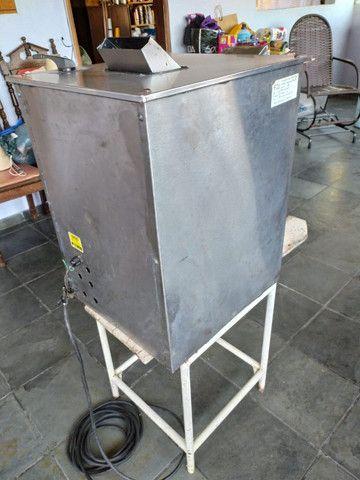 Maquina de Caldo de Cana Elétrica Luxo Inox FC-200 - Foto 4