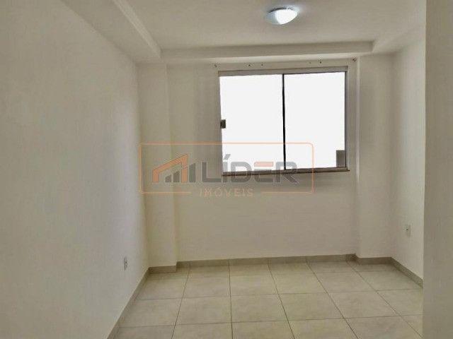 Vende-se Apartamento com 02 Quartos + 01 Suíte no Bairro Santa Mônica - Foto 4