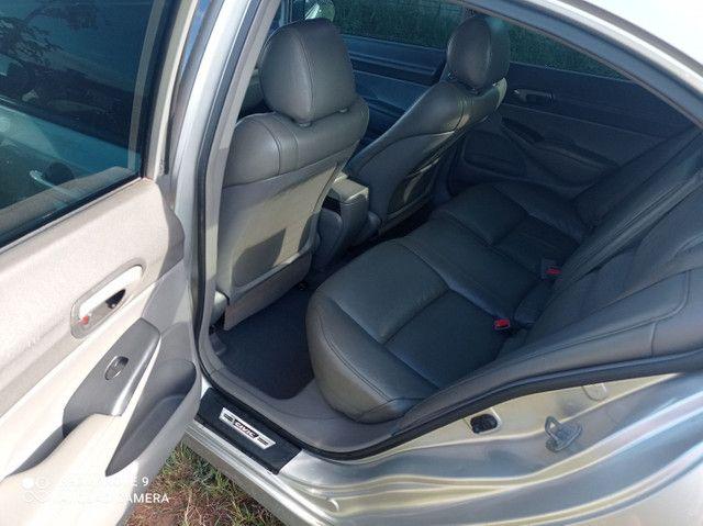 Vendo ou troco Honda Civic meu carro é bem conservado só pega e anda.. - Foto 5