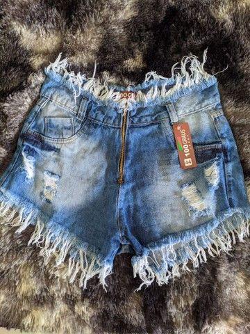 Shorts jeans cintura alta hot pants destroied rasgado - Foto 4