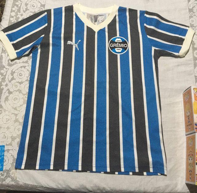 Camiseta retrô do Grêmio com ingresso  - Foto 2