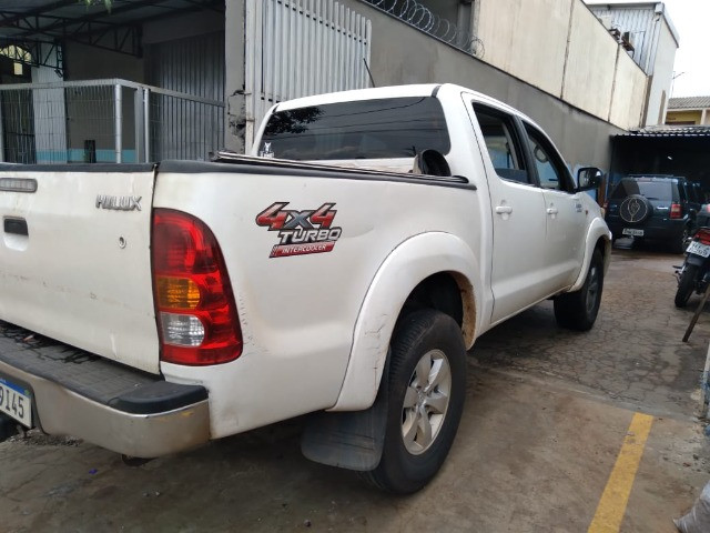 Toyota Hilux 2013 Branca apenas R$ 89.999 a vista ou R$ 91.999$ pego seu carro na troca - Foto 6