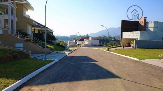 Terreno localizado em exclusivo Condomínio Horizontal Alto padrão, tranquilo e seguro.
