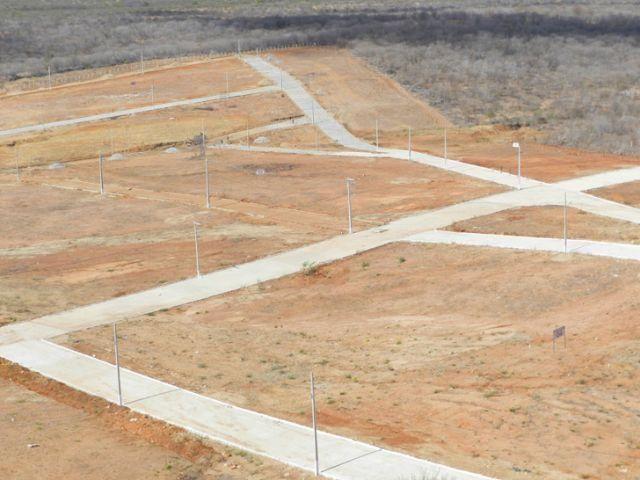 Terreno no loteamento luar de carmen leda medindo 300 m²,(10 x 30)