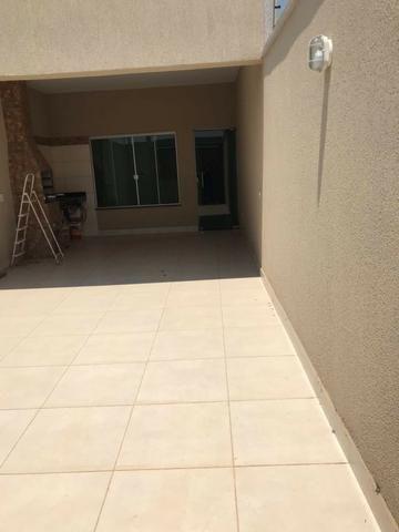 Três Marias - Casa nova de 2/4 com suite