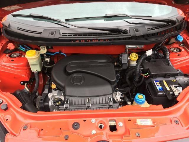 Fiat Uno 1.4 Evo Sporting 8v Flex 4 portas Automatizado vermelho 2015 - Foto 11