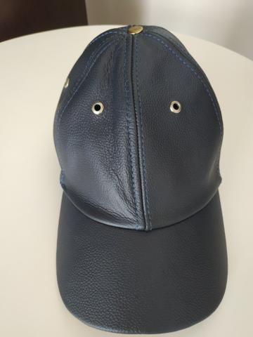 Boné de couro legítimo azul marinho - Bijouterias 8019a452296