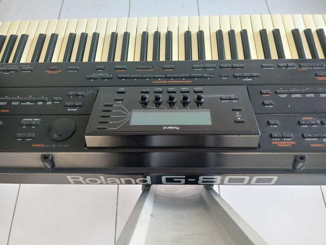 Vendo um teclado arranjador roland g 800