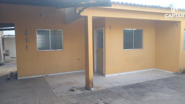 Casa com 3 quartos, sendo 1 suíte, à venda no bairro Santa Rosa em Caruaru-PE