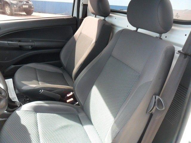VW - VolksWagen Saveiro Robust 1.6 Total Flex 8V - Foto 9