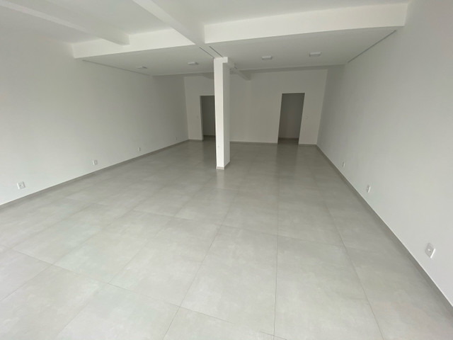Alugo salas comerciais novas  - Foto 2