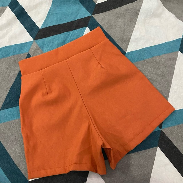 Short P/m cintura alta novo - Foto 2