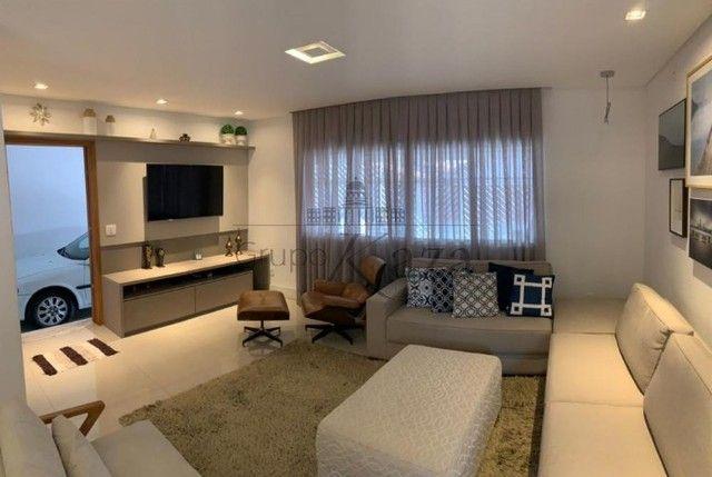 @ Casa Padrão mobiliada - Fino Acabamento - 4 quartos - 4 suítes - Foto 4